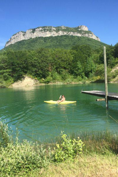 Lac privé au pied du massif Roche Colombe